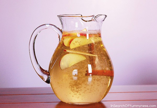 detox-apple-cinnamon-water-boost-your-metabolism-naturally-1-600x415