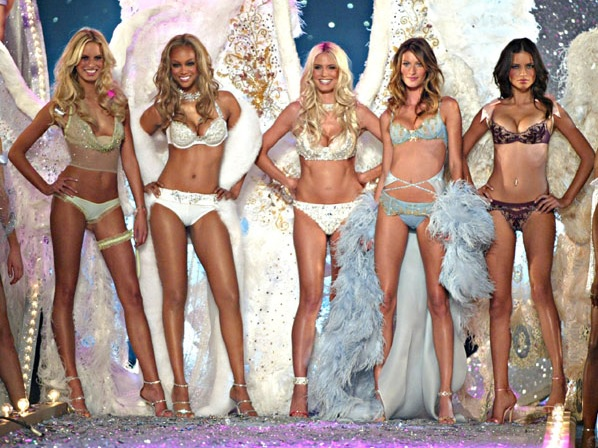 Victorias-Secret-Group-Photo