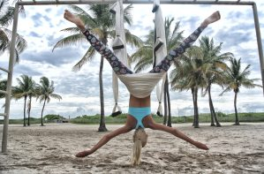 aerial-yoga-anti-gravity-yoga-beach-705122